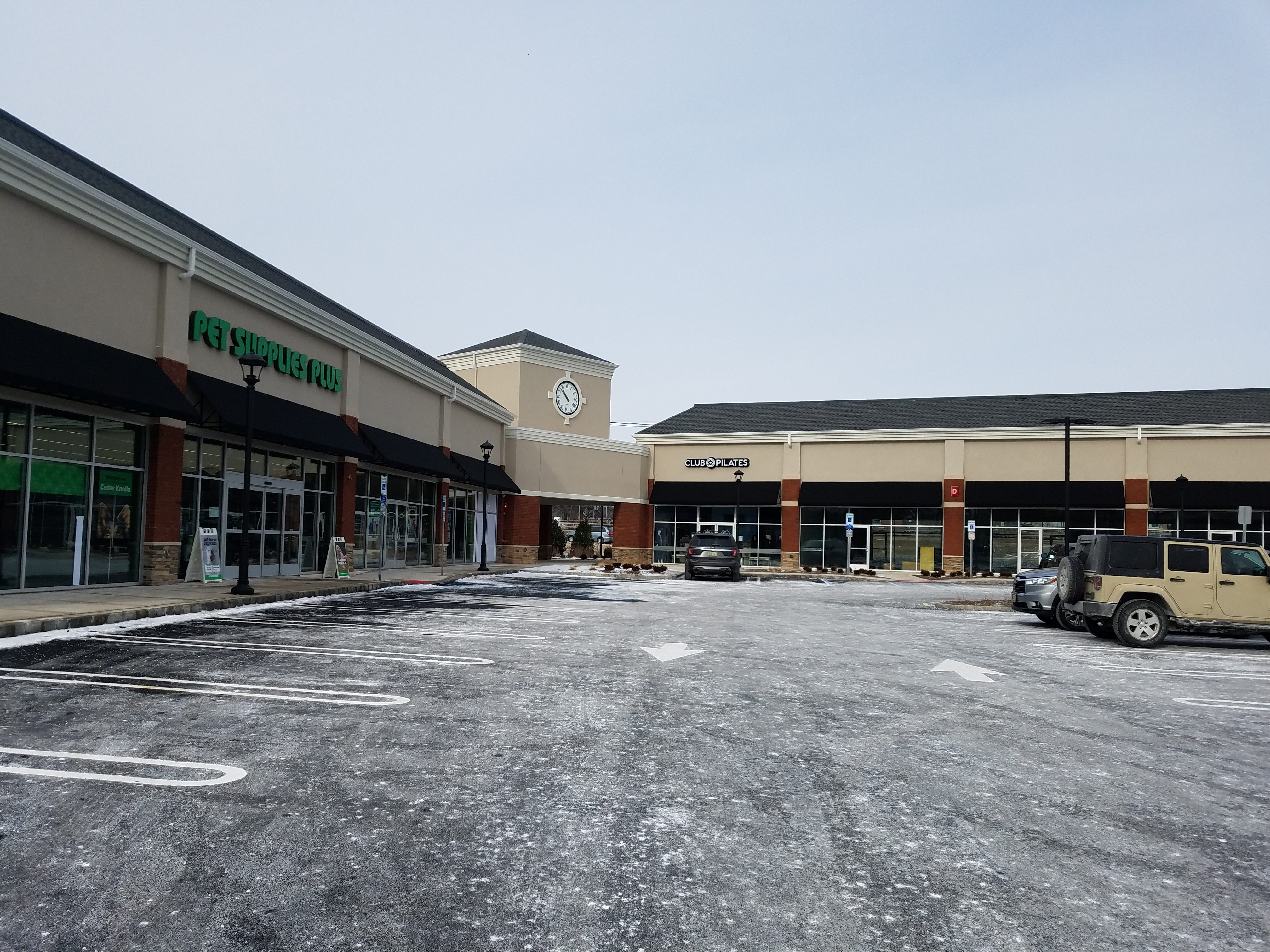Hanover Commons Shopping Plaza
